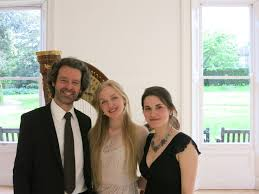 Jakez François, Elizabeth Bass, Klara Woskowiak